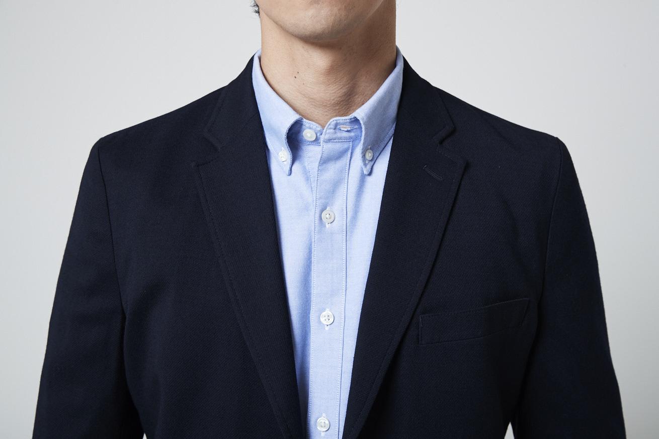 ボタンダウンシャツの襟元寄りカット
